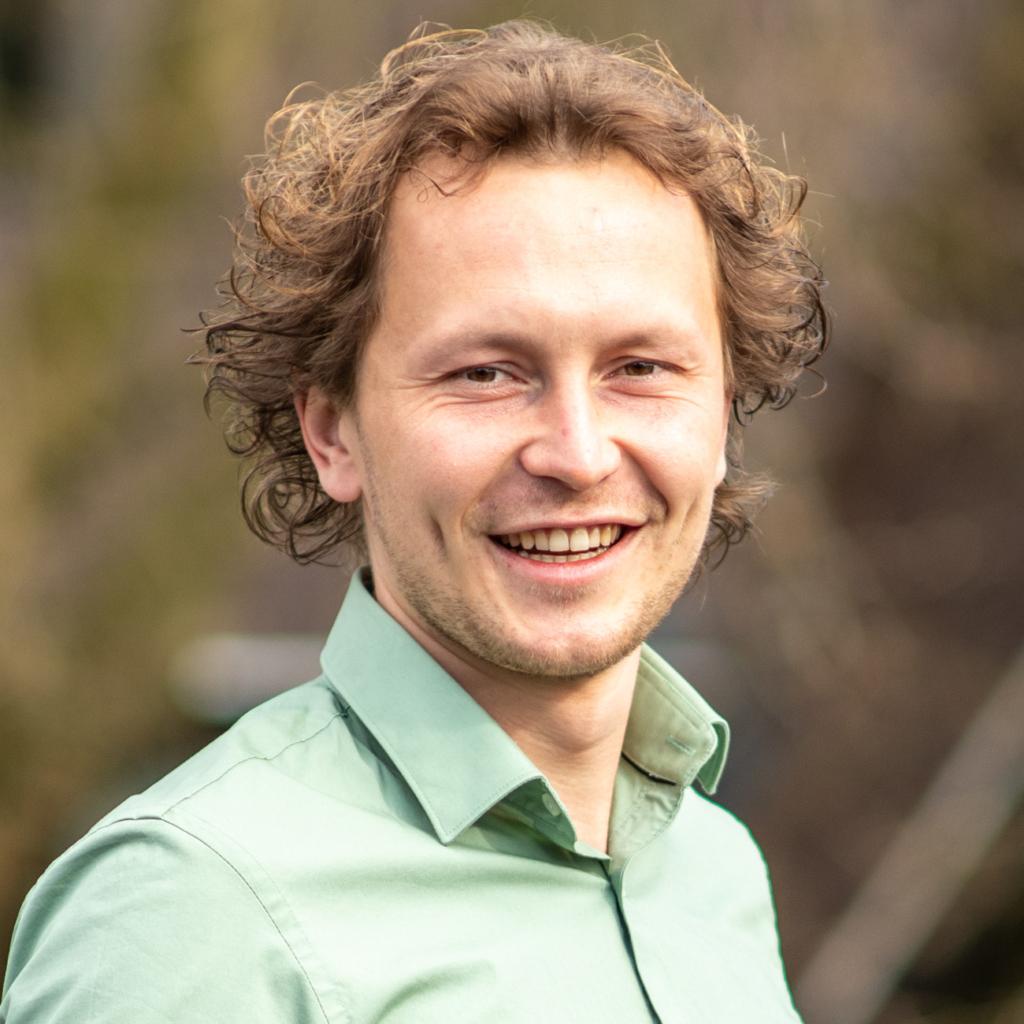 Niels van den Dool - Trainee